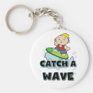 Crochet de surfer une vague porte-clé rond