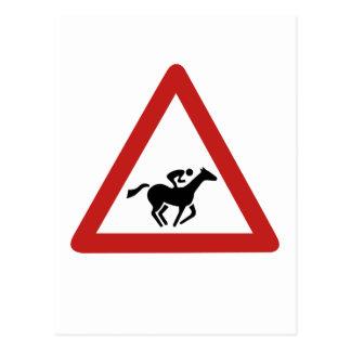 Croisement de course de cheval, poteau de carte postale