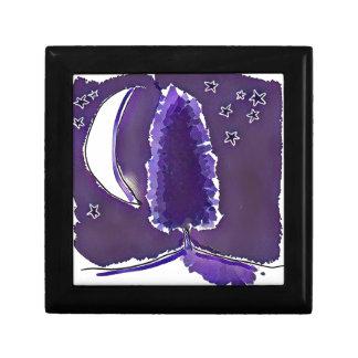 croissant de lune et seule scène de nuit d'arbre boîte à souvenirs