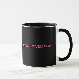 Croyez à la tasse de miracles