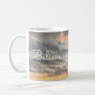 Croyez en Jésus et priez la tasse
