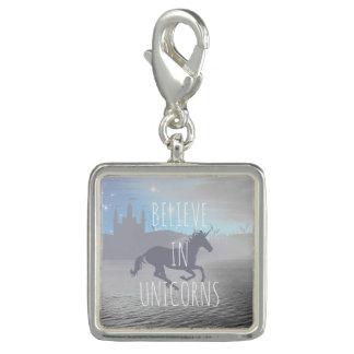 Croyez en licornes breloque