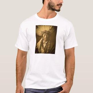Cru de Garfield Jicarilla de chef indien d'Apache T-shirt
