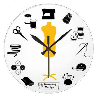 Customisez l'étiquette cousent juste grande horloge ronde