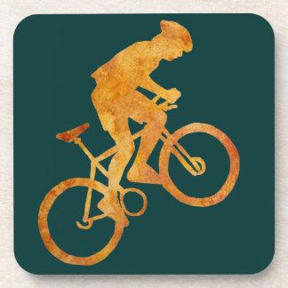 Cycliste d'or de montagne dessous-de-verre