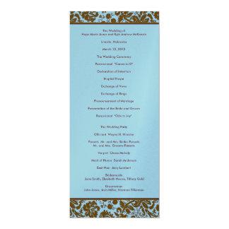 Damassé de Brown sur le programme bleu de mariage