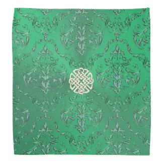 Damassé verte irlandaise avec le noeud de Celtic Bandana