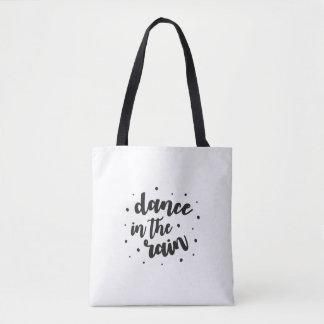 Danse dans le sac fourre-tout à pluie