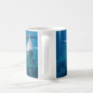 Dauphins sous-marins mug blanc