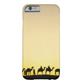 De bestuurder van kamelen en van de kameel bij barely there iPhone 6 hoesje