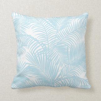 De blauwe eenvoudige moderne tropische palm van sierkussen
