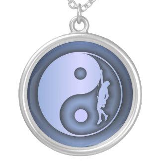 (De blauwe) Yin & Klimmer van Yang Zilver Vergulden Ketting