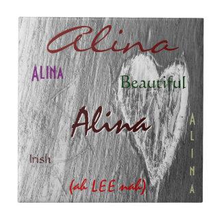 De Ierse Betekenis van de Naam van Alina met Tegeltje