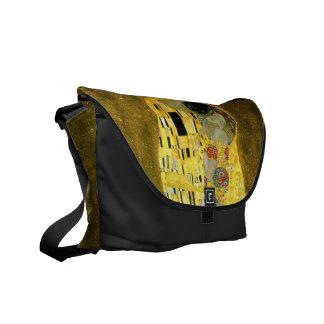 De kus ~ Gustav Klimt Courier Bag