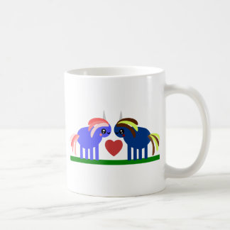 De licorne étrange est amoureuse mugs à café