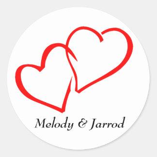 De liefde strengelde Rode Harten Gepersonaliseerde Ronde Sticker