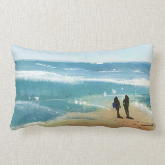 De l'océan avec le long coussin d'amour