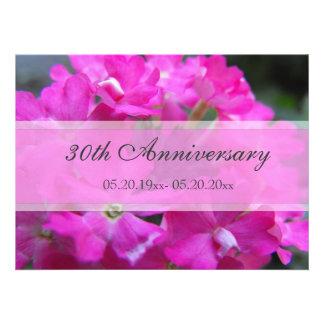 De mooie roze tuin bloeit huwelijksverjaardag uitnodigingen