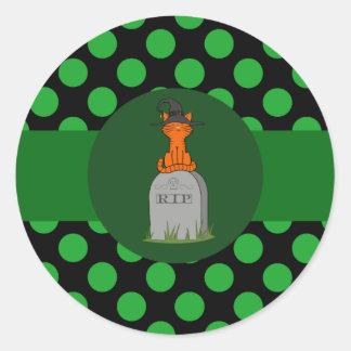 De oranje Heks van de Kat op Ernstige Steen met Ronde Stickers