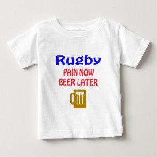 De pijn nu bier van het rugby later baby t shirts