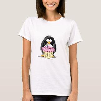 De Pinguïn van de verjaardag met Cupcake T Shirt