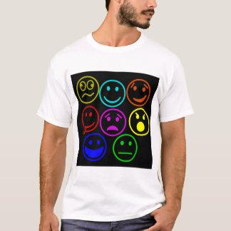 De t-shirt van Emoji