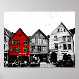 De Zwart-witte foto van Bergen Noorwegen met rood Poster