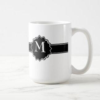 Décoré d'un monogramme blanc noir mug blanc