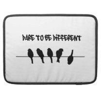Des oiseaux sur un fil - osez être différent housse MacBook pro
