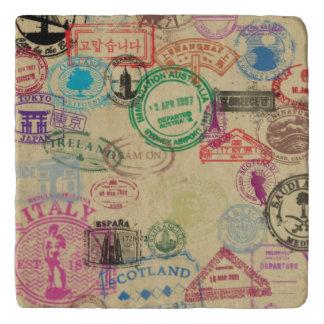 Dessous-de-plat Le passeport vintage emboutit le trépied en pierre