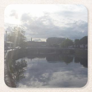 Dessous-de-verre Carré En Papier Dessous de verre de lever de soleil de rivière de