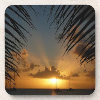 Dessous-de-verre Coucher du soleil par le paysage marin tropical de