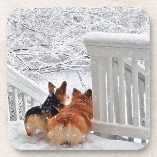 Dessous-de-verre Deux Corgis dans la neige