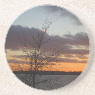 Dessous De Verre En Grès Caboteur de coucher du soleil de lac