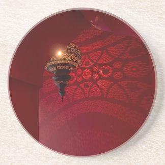 Dessous De Verre En Grès Entrée arquée et lanterne lumineuse