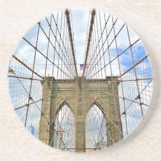 Dessous De Verre En Grès Fondation de ville de New York Brooklyn de pont