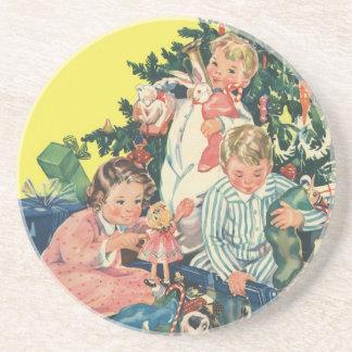 Dessous De Verre En Grès Matin de Noël vintage, enfants ouvrant des cadeaux