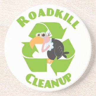 Dessous De Verre En Grès Nettoyage Buzzard d'animal tué sur une route