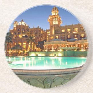 Dessous De Verre En Grès Palais de l'hôtel de ville et de la piscine perdus