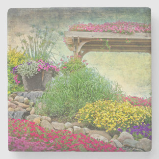 Dessous-de-verre En Pierre jardin de roche avec le treillis