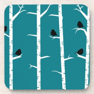 Dessous-de-verre Petits oiseaux noirs lunatiques et arbres de