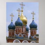 Dessus de l'église orthodoxe russe en Russie Affiche