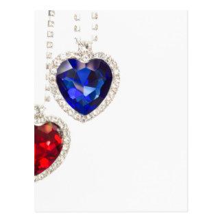 Deux coeurs bleu et rouge de bijoux s'accordant carte postale