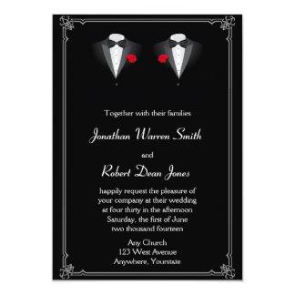 Deux smokings avec le faire-part de mariage