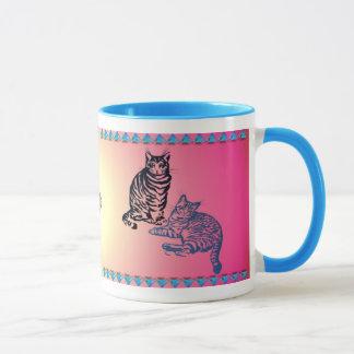 Deux tasses de chats tigrés