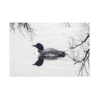 Dingue noir et blanc sur une toile d'art de lac