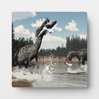 Dinosaures de Suchomimus pêchant les poissons et Plaque Photo