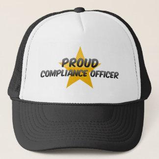 Dirigeant fier de conformité casquette