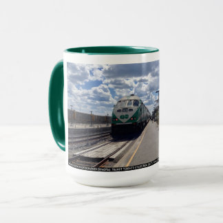 DISPARAISSENT la tasse de ciel de train