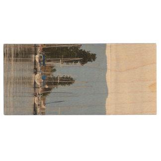 Dock de bateau sur le lac à tête plate clé USB 2.0 en bois